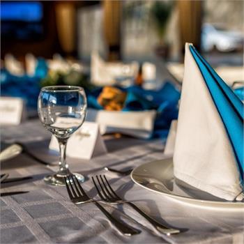 Prostření - bílo-modrá tabule